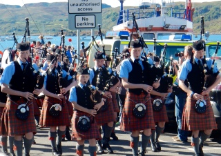 Pipe band in Oban