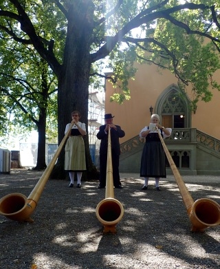 Alphorns at Lindenhof, Zürich