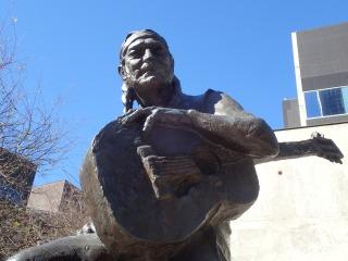 Statue, Willie Nelson