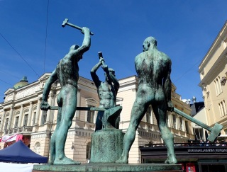 Three Smiths, Helsinki