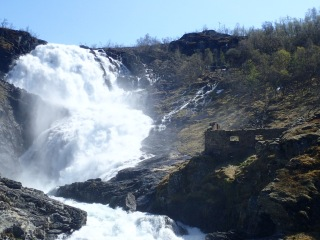Kjøs Waterfall