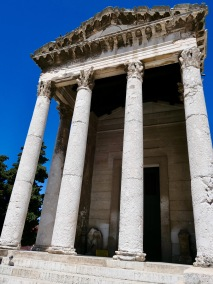 Temple of Augustus, Pula HR